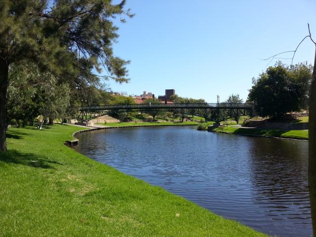 En av Adelaides mange, fine parker.