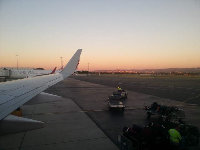 Så var man på vei til Perth.  Så solnedgangen fra flyet i nesten to timer!